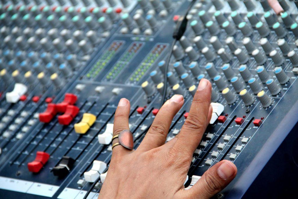 radio mixer
